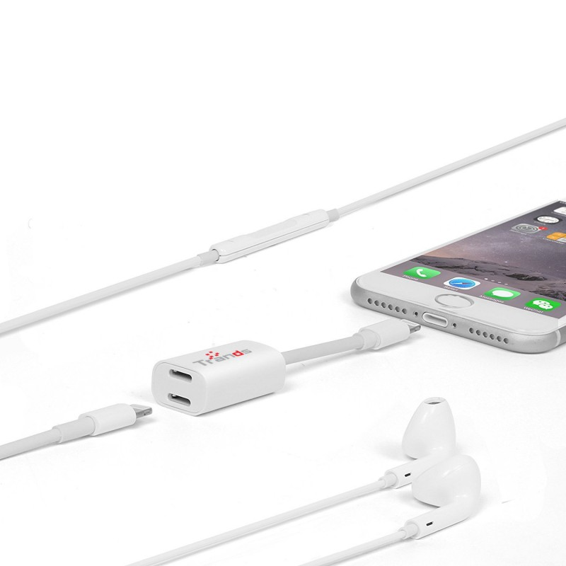 Trands Single Male to Dual Female 8 Pin Lightning iPhone  Audio & Charging Connector Splitter Adapter White